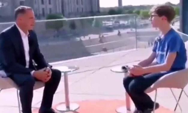 Víral: Un niño ridiculiza al líder de la extrema derecha alemana con solo una pregunta
