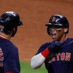Boston apalea a los Astros y toma ventaja en la serie LA