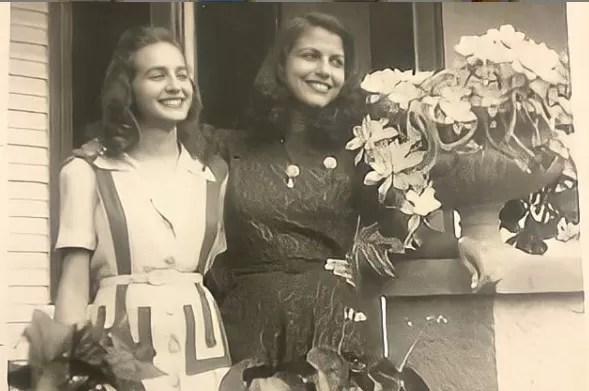 #TBT – Minerva Mirabal junto a su amiga Thelma Benedicto