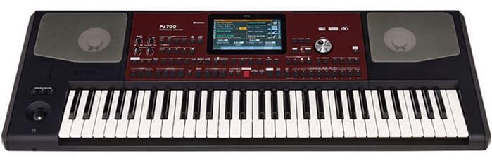 """Clavier Arrangeur Korg PA-700 pour l'article """"Bien Choisir Son Clavier"""""""