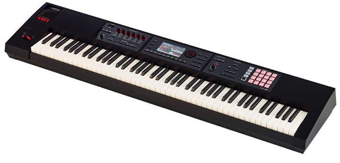 """Clavier Workstation Roland FA-08 pour l'article """"Bien Choisir Son Clavier"""""""
