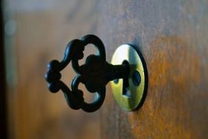 key-2743276_640