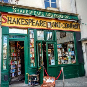 shakespeare-and-company-1701307_640