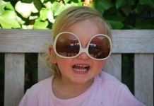 Menjaga Mata Anak Agar Tetap Sehat