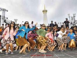 Performa Jampi Gugat di FKY 2014 Tugu Jogja