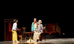 Bu Muspro Pak Abiyoso - Dalang - Teater Gandrik Tangi -  2015