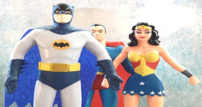 Apa Sebab Superman Memakai Celana Dalamnya di Bagian Luar
