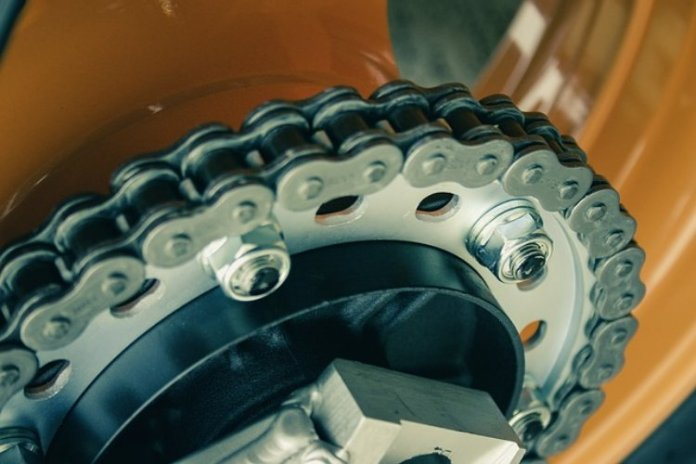 Cara Perawatan Sepeda Motor Agar Rantai Tetap Lancar dan tak Tersendat
