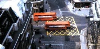 YBJ -Yellow Box Junction: Garis Kuning Sebagai Marka di Persimpangan Jalan Raya