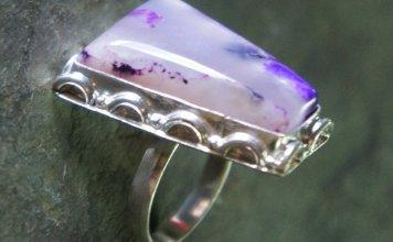 Lavender Bukan Saja Sebagai Batu Akik dan Liontin, Tapi Juga Dimanfaatkan Sebagai Mata Cincin