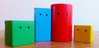 wooden blocks - Inilah Keuntungan Bermain Balok Bagi Anak Kecil