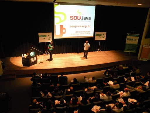Abertura: Java, Open Source e a Comunidade - Yara Senger e Bruno Souza