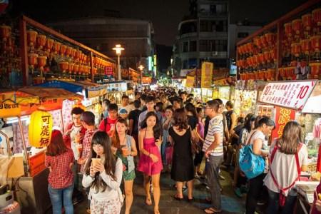 台湾の8月の旅行の気温・気候・服装は?東京との比較、台風の対処法も