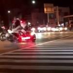 沖縄県警のパトカーが暴走族のバイクと正面衝突事故!!少年2人負傷