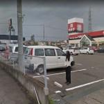 福島県福島市にあるやまや福島西店の駐車場に立つ謎の女性が怖い…【Googleストリートビュー】