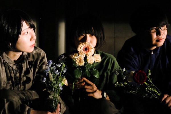 話題沸騰中の北海道バンドシーンで異才を放つ小樽発の新星・plums。 最新MV公開&アルバム詳細発表!