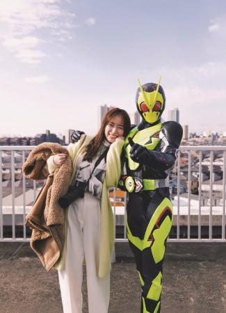 """泉 里香、女性誌「Oggi」で""""オタ活""""ファッション企画を熱演"""