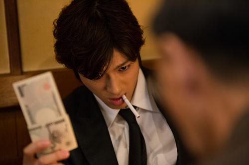 人気上昇中、山田裕貴出演の金×暴力×欲望を鋭くえぐる映画「闇金ドッグス」全9シリーズをMONDO TVで毎週オンエア!