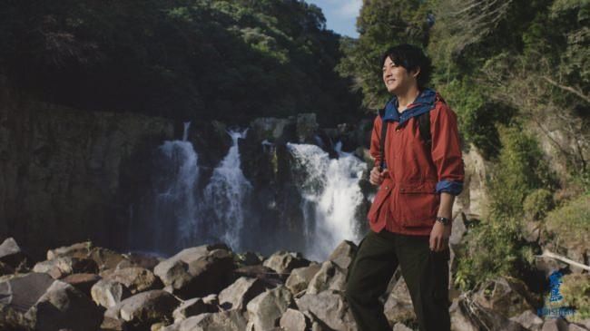 松坂桃李さんが『赤霧島』の秘密を探りに宮崎県都城市へ!新TVCM 「赤霧島を知る旅」