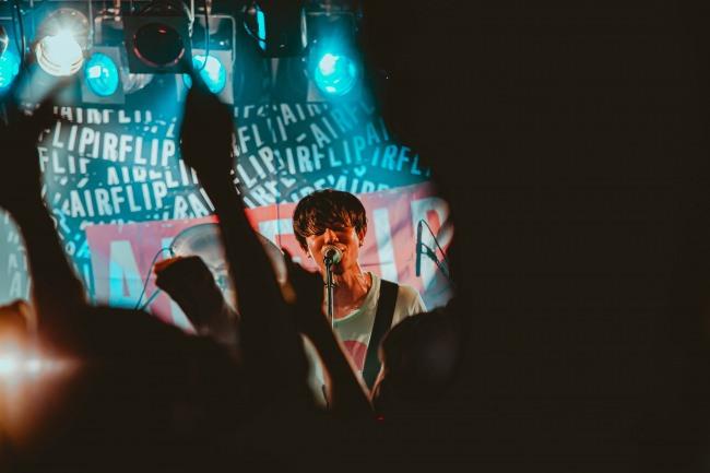 """大阪のPOP PUNKバンド""""AIRFLIP""""、ツアーファイナルラストの東京公演ライブ映像公開!"""