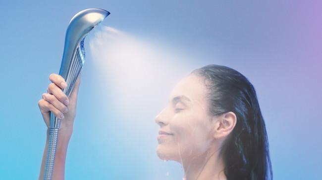 浴びるたびに肌を美しくするシャワーヘッド「ReFa FINE BUBBLE S」のTVCMが8/24(月)より全国(※)放映開始