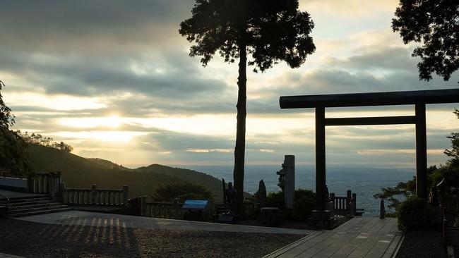 「大山阿夫利神社からの眺望」画像提供:芸団協