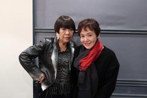 大竹しのぶとコシノジュンコが初対談!幼少期、オーディション、エディット・ピアフ、舞台「女の一生」、そして、家族のことまで 語り合います。
