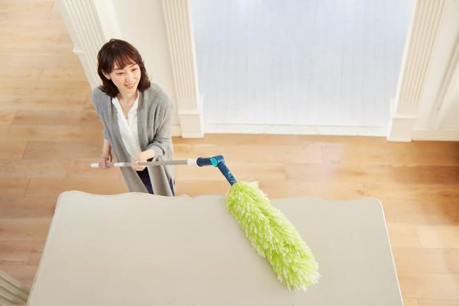 【QVCジャパン】おうちで過ごす時間の多かった2020年の年末大掃除に!業務用に開発された掃除+静電気の除去ができる新発想のモップがテレビショッピングに登場!