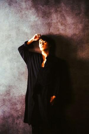 福山雅治初となる、全曲バラードで構成されたオンラインライブ「福山雅治 31st Anniv. Live Slow Collection」をWOWOWで5/8(⼟)放送決定!