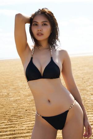 待望の『林ゆめ1st写真集「ゆめみごこち」』が、ついに6月4日(金)発売決定!