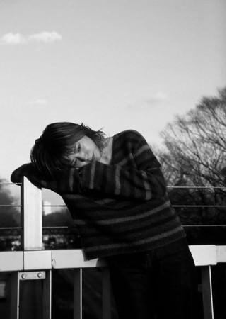大比良瑞希、2021年第一弾シングルとして2月3日にリリースされた盟友、Shin Sakiuraプロデュースによるエモーショナルなオルタナティヴ・ソウル・チューン『遠回り』!