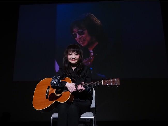山崎ハコ「今日が最後の共演です」ギタリスト安田裕美さんを偲んで