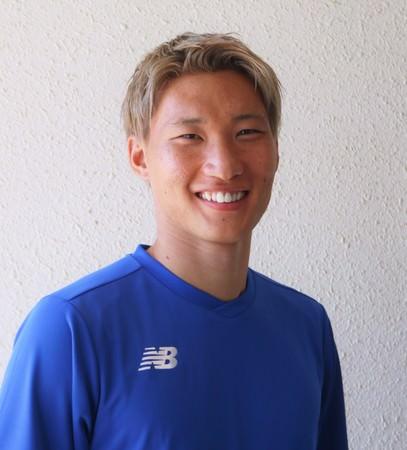 ザムストがサッカー 畠中 槙之輔選手とパートナーシップ契約を締結