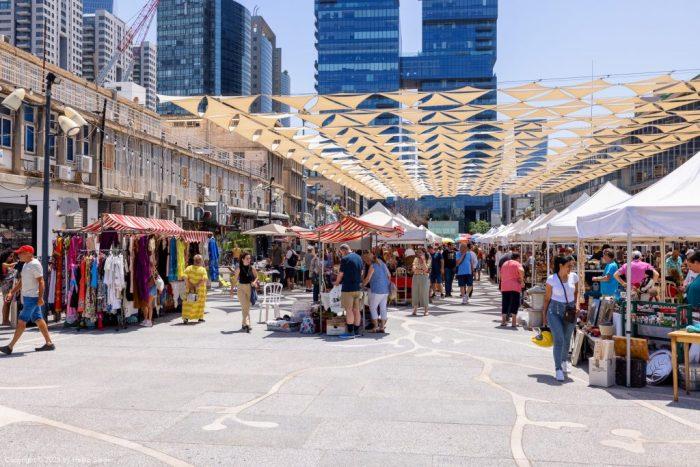 Antiquities and flee market in Tel Aviv