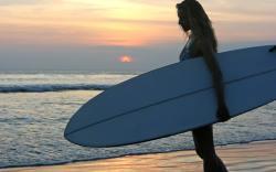 competencia de surf en tacones