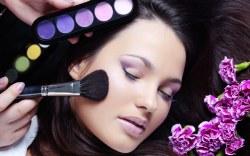 5 trucos para que tu maquillaje se quede en su sitio
