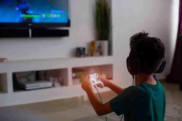 adiccion a los videojuegos, caracteristicas de la adiccion a los videojuegos, adiccion a los videojuegos tratamiento, adiccion a los videojuegos consecuencias, adiccion a los videojuegos en adolescentes, adiccion a los videojuegos en adultos, como prevenir la adiccion a los videojuegos, trastorno por videojuegos, enfermedades causadas por videojuegos, trastorno por uso de videojuegos, muerte por jugar videojuegos, muertes influenciadas por videojuegos