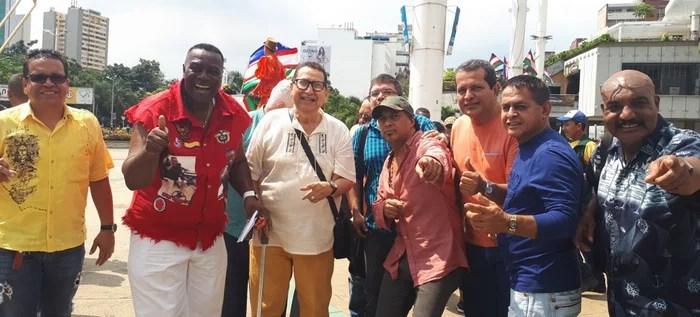 Artistas y bailarines de la feria dan total respaldo a la Alcaldía.