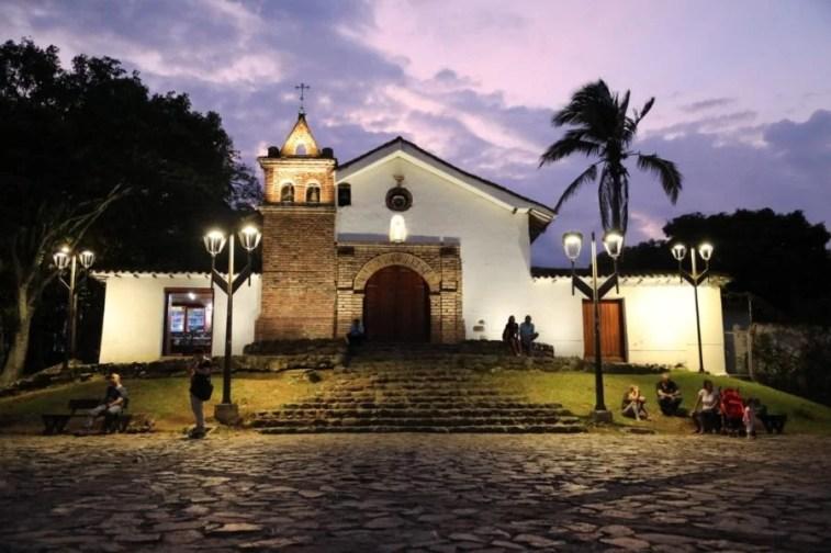 Monumentos y fuentes de la ciudad fueron iluminados y restaurados 14