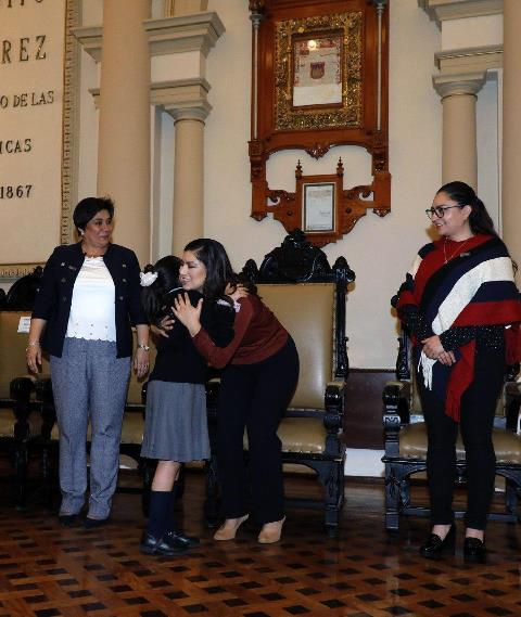 ESTUDIANTES Y AUTORIDADES MUNICIPALES DE PUEBLA SE UNEN PARA COMBATIR LA VIOLENCIA ESCOLAR