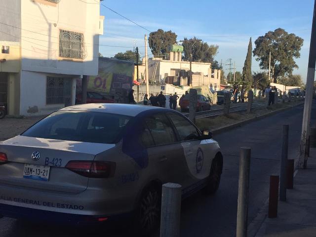 UNA MUJER DE 27 AÑOS DE EDAD FUE ASESINADA A GOLPES Y ABANDONADA AFUERA DE SU DOMICILIO EN SAN PABLO XOCHIMEHUACÁN