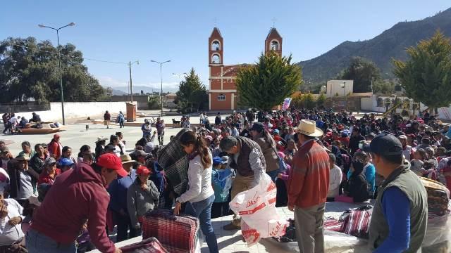 LLEVA GRANJAS CARROLL JUGUETES Y COBIJAS EN COMUNIDADES DE PUEBLA Y VERACRUZ