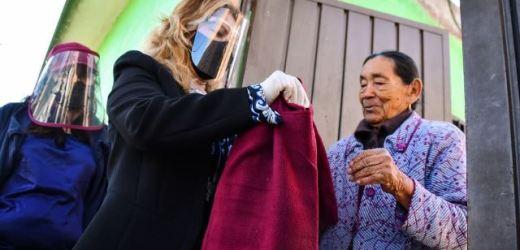 ENTREGA DIF DE CORONANGO EL PROGRAMA COBIJANDO ESPERANZA DE PUERTA EN PUERTA
