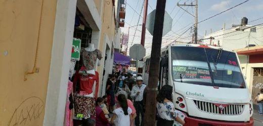 COMERCIANTES ESTABLECIDOS DE SAN PEDRO CHOLULA DENUNCIAN AUMENTO DE AMBULANTAJE EN EL CENTRO DE LA CIUDAD