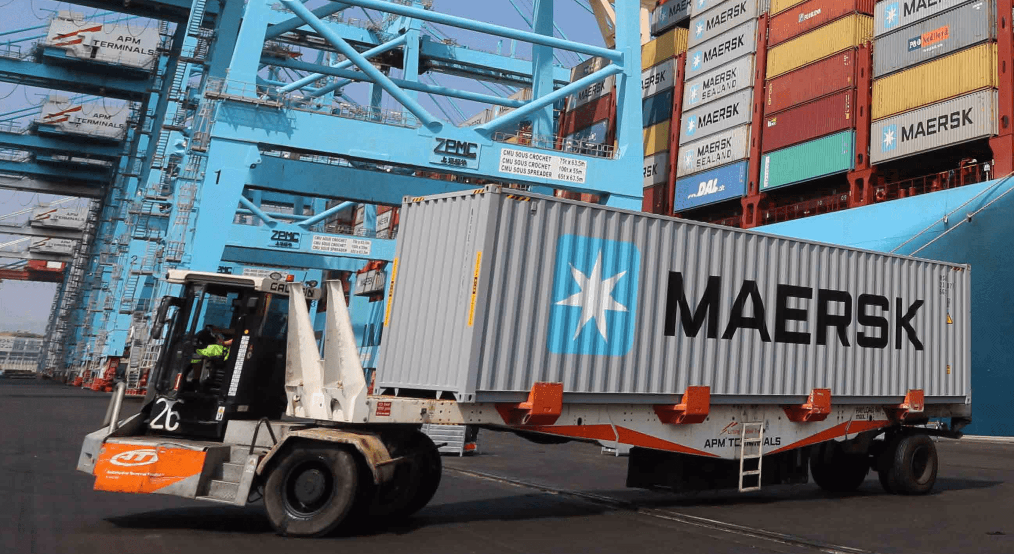 Traxens gets Maersk investment, 150,000 tracker order, role in port project