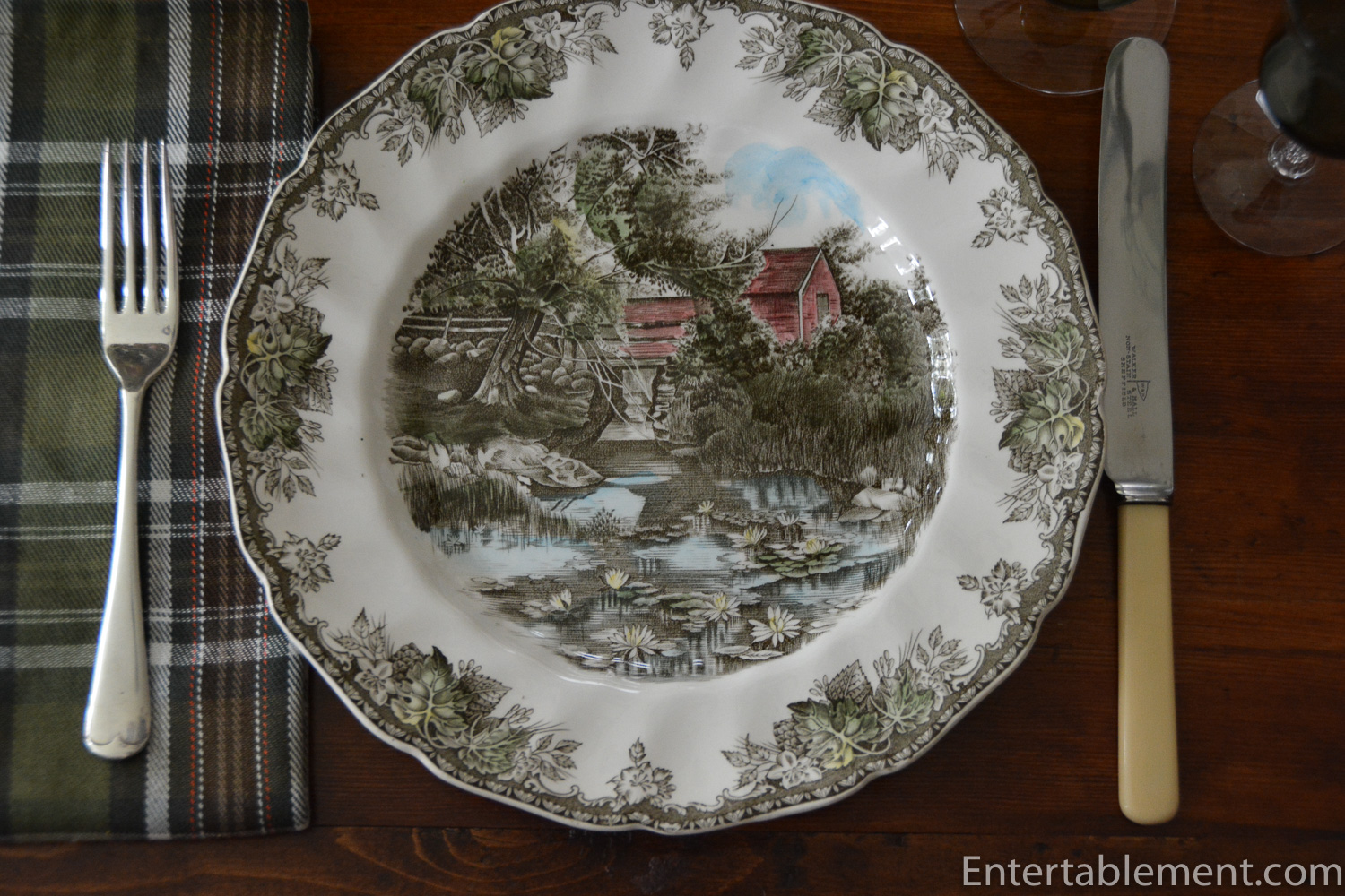 The Well : johnson friendly village dinnerware - pezcame.com
