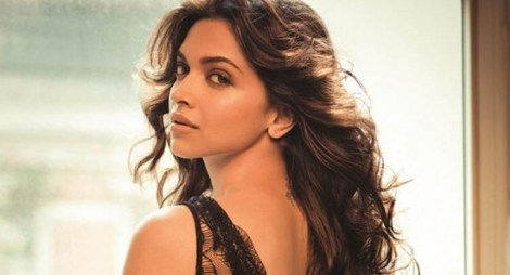 550x298_Sanjay-Leela-Bhansali-confuses-Deepika-Padukone-with-Aishwarya-Rai-5060
