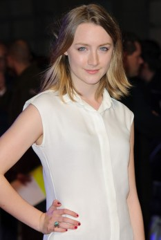 saoirse-ronan-uk-premiere-in-time-01