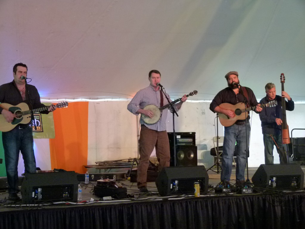 Makem and Spain leading the audience in Irish song sing-along.