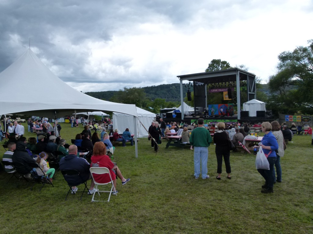 Festivalgoers spread out in front of the UPMC Stage.